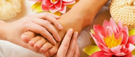 Manual and natural therapy