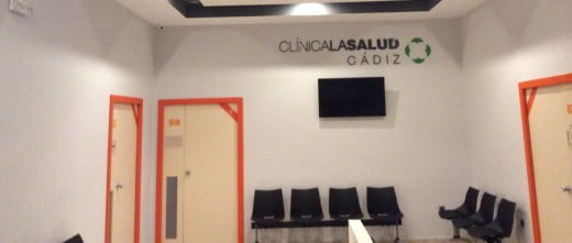 Waiting area Clínica La Salud