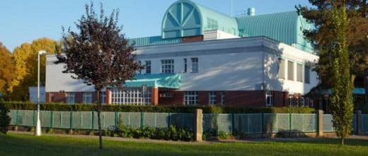 Sanus IVF building