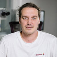 Dr. Tomas Rieger